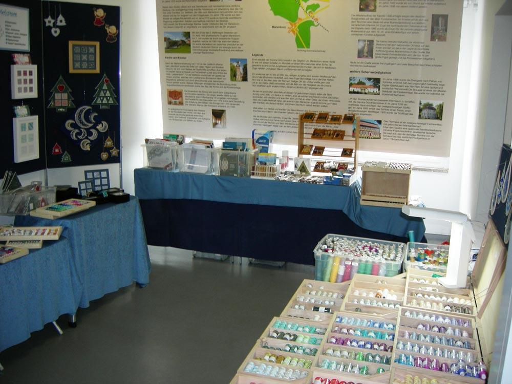Klöppeltreffen in Marienborn, die Klöppelwerkstatt hatte einen Verkaufsstand beim Klöppeltreffen an der Gedenkstätte Marienborn